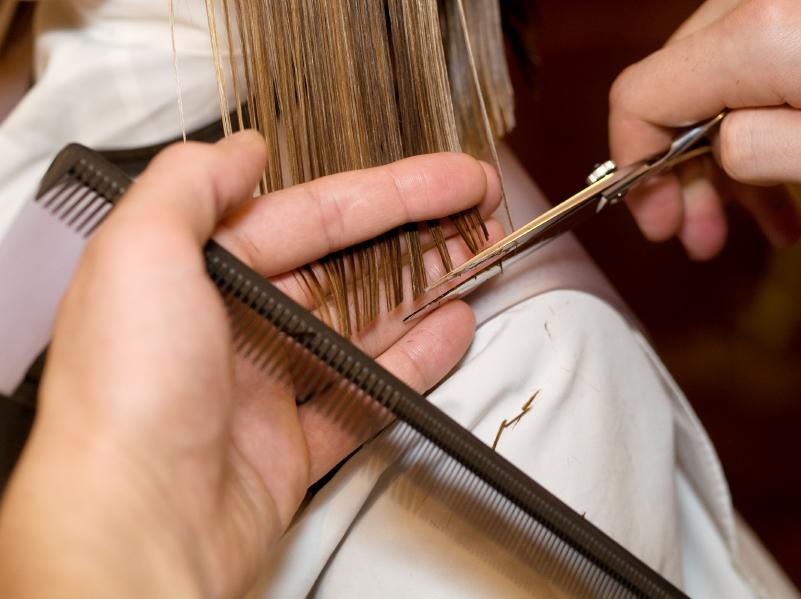 Woman's Haircut & Style